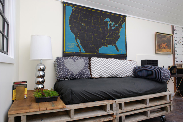 DIY. Design ideas for your home with pallets on Pallet Bed Room  id=84854