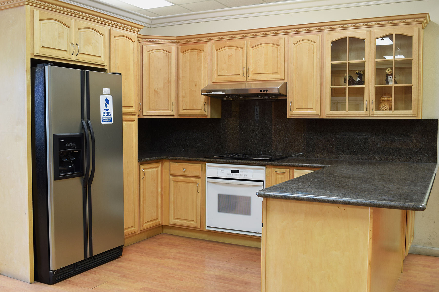 Natural Maple - Deco Kitchen and Bath on Natural Maple Cabinets  id=96099
