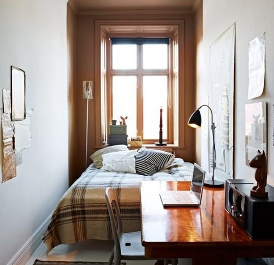 Uncluttered Small Bedroom Decorating Ideas With Brown