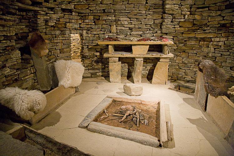 Meubles néolithique et foyer néolithique