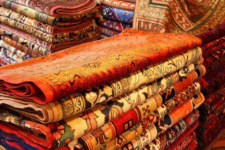 Tapis orient persan jaune rouge couleur