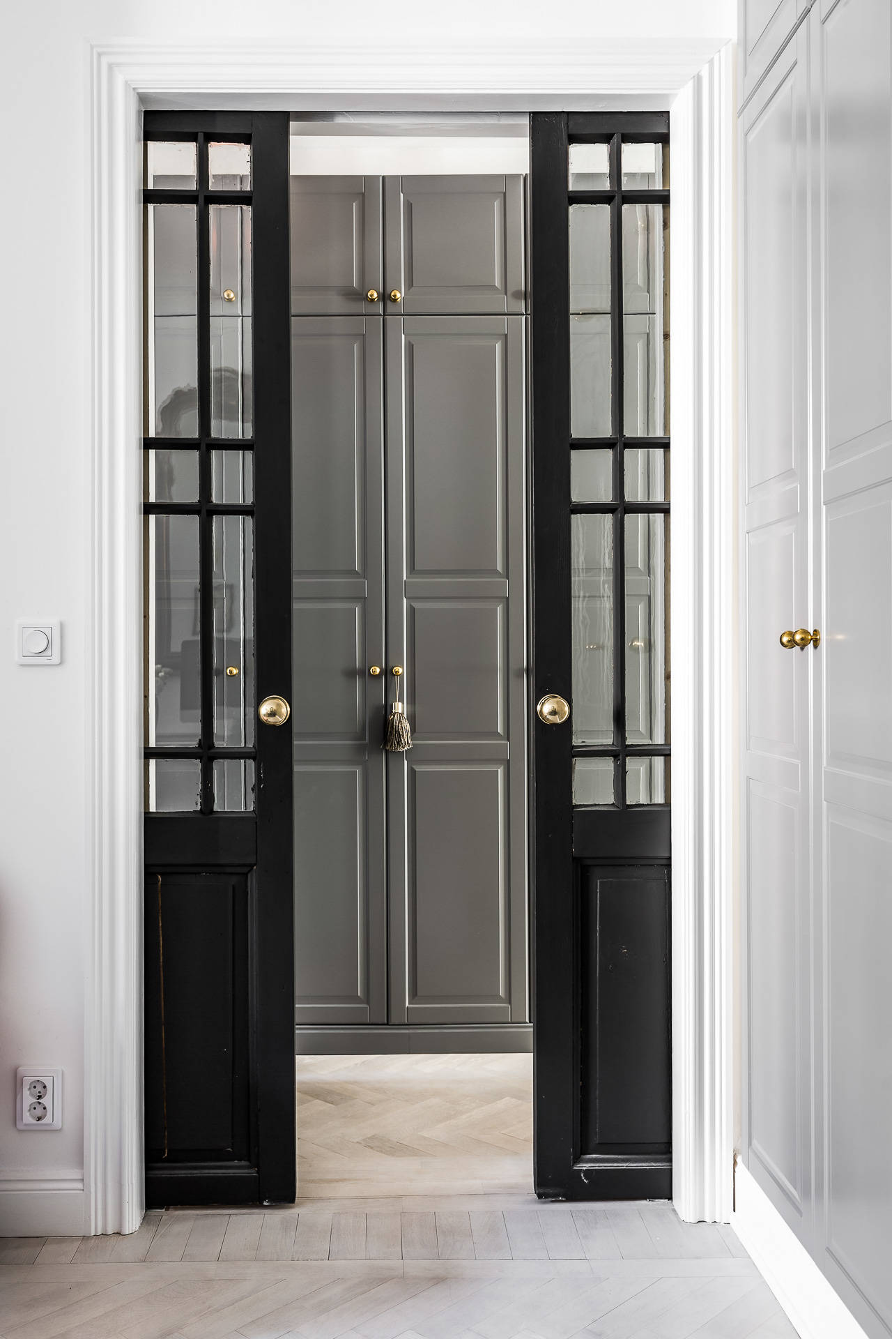 раздвижные двери коридор шкаф