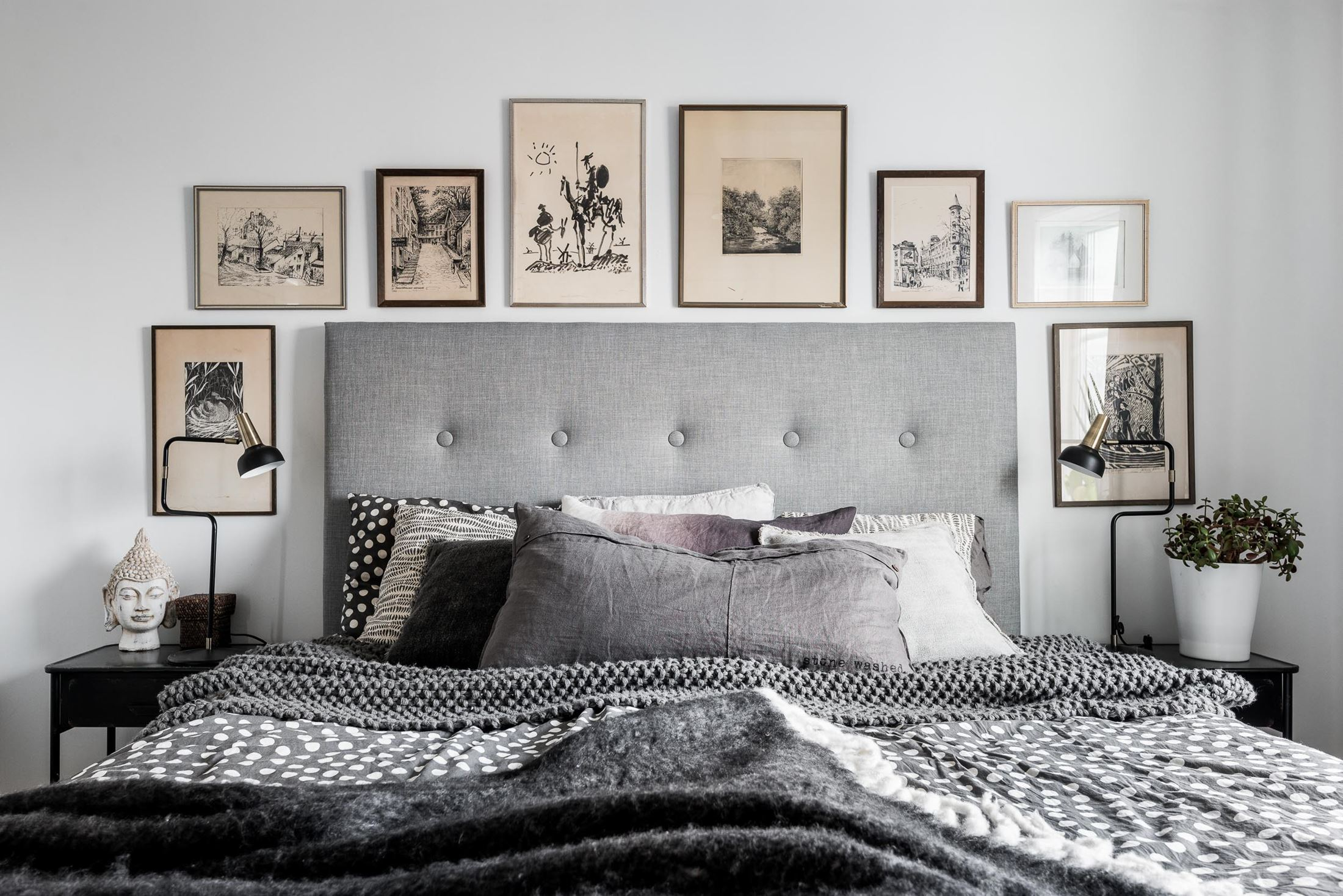 картины над изголовьем кровати