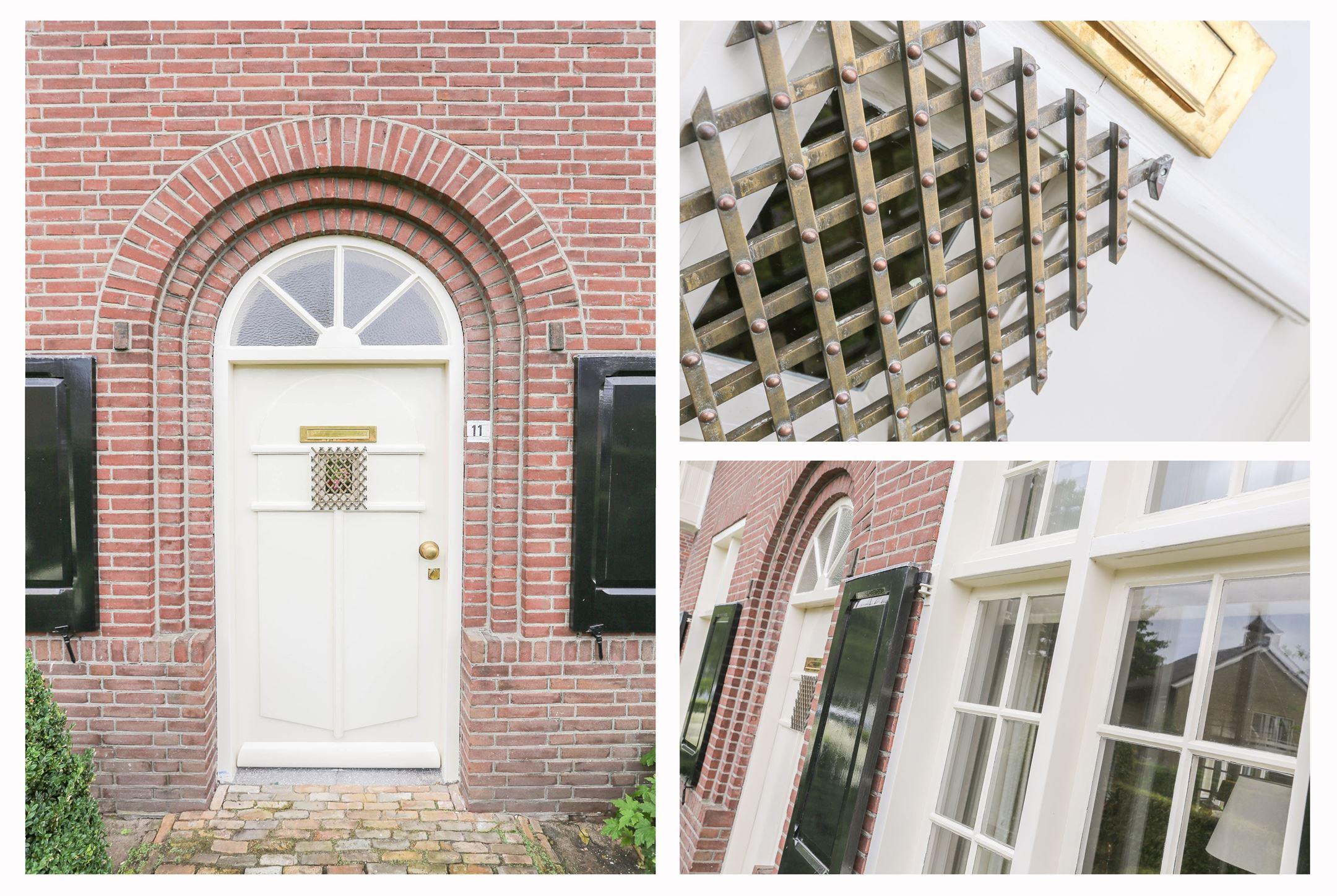 входная дверь в загородный дом