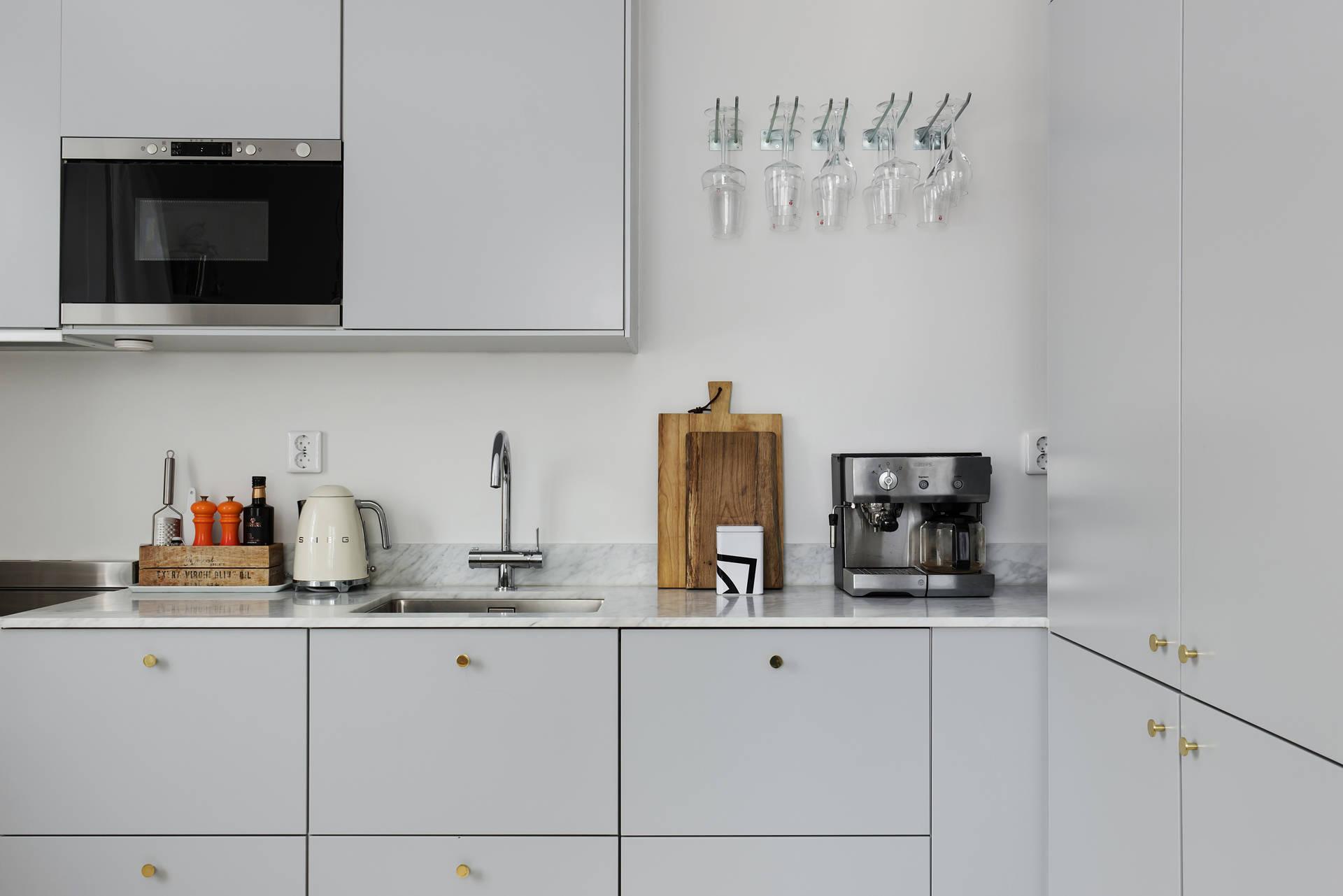кухня шкафчики техника мойка