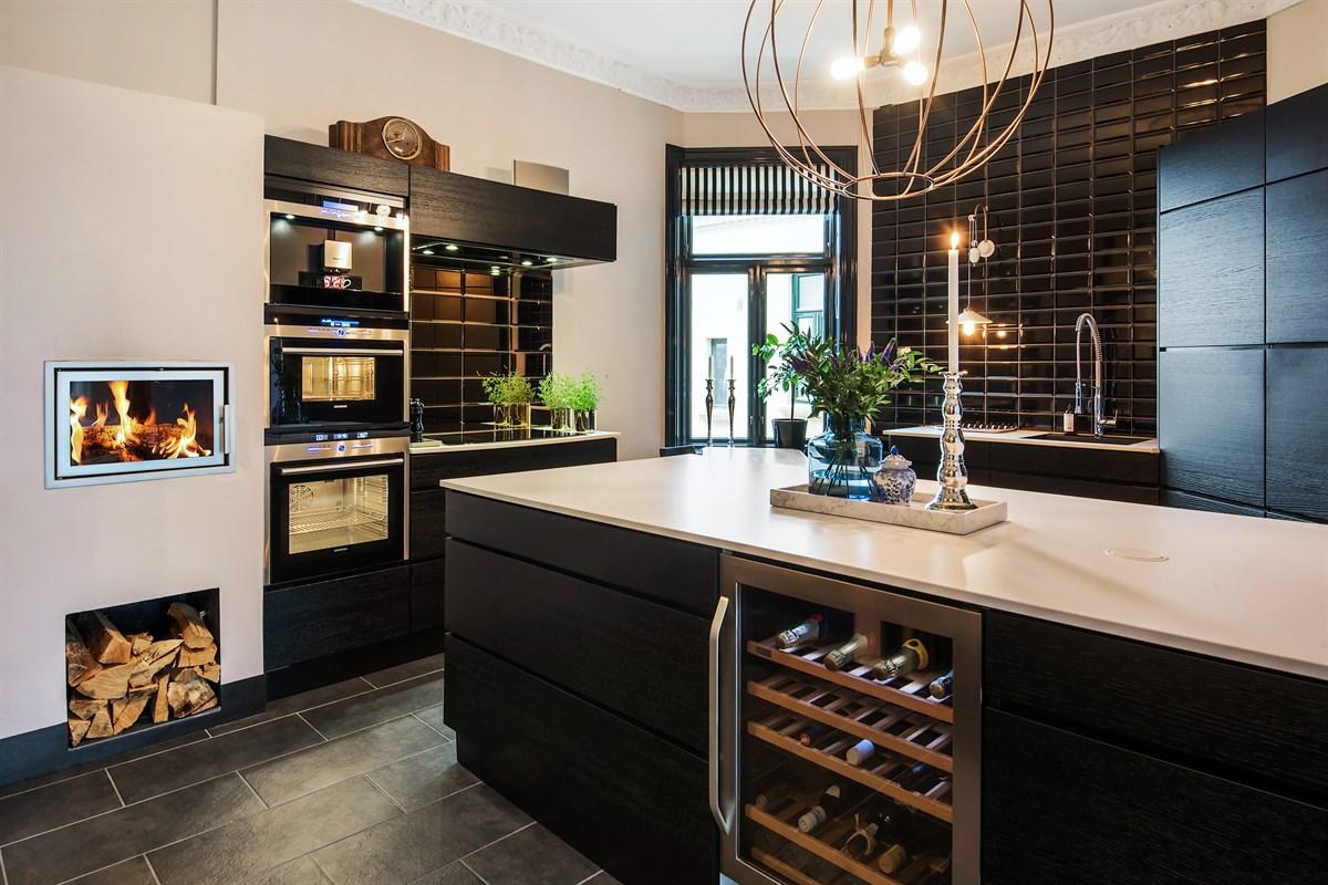 кухонный остров винный шкаф