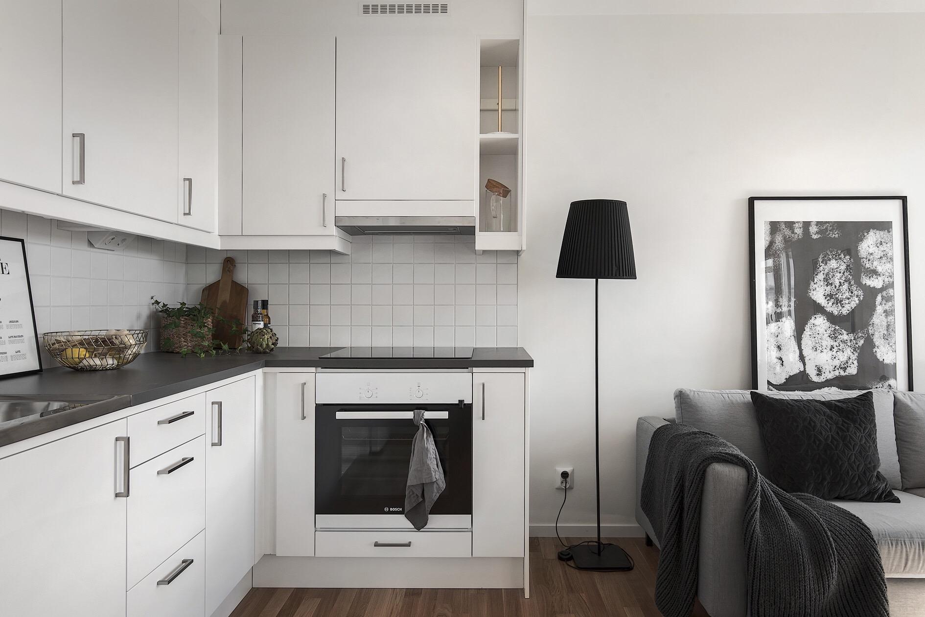 кухня встроенная вытяжка плита
