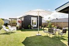домик газон зонт мебель