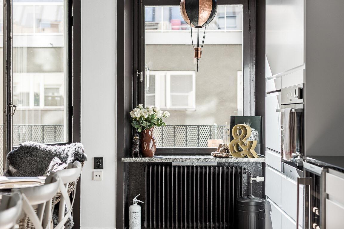 окно радиатор подоконник