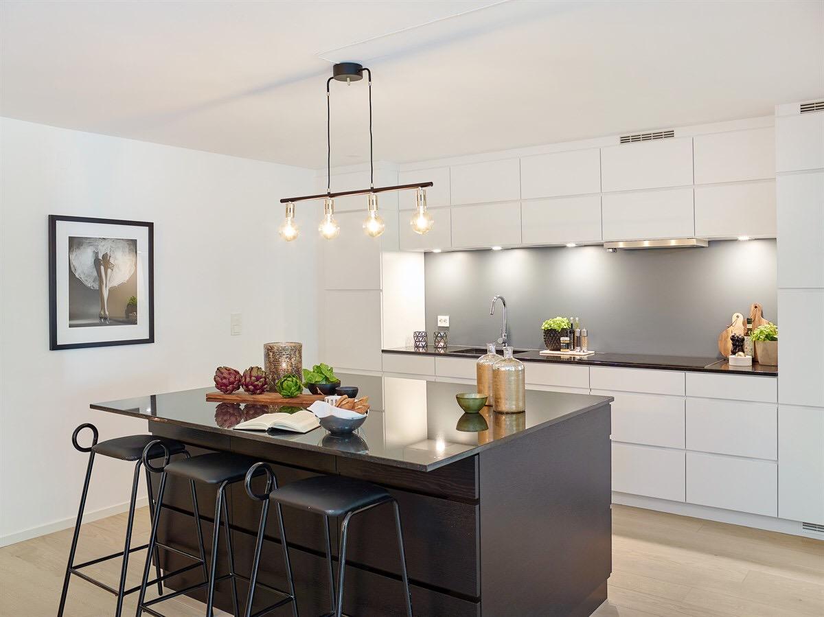 белая кухня кухонный остров