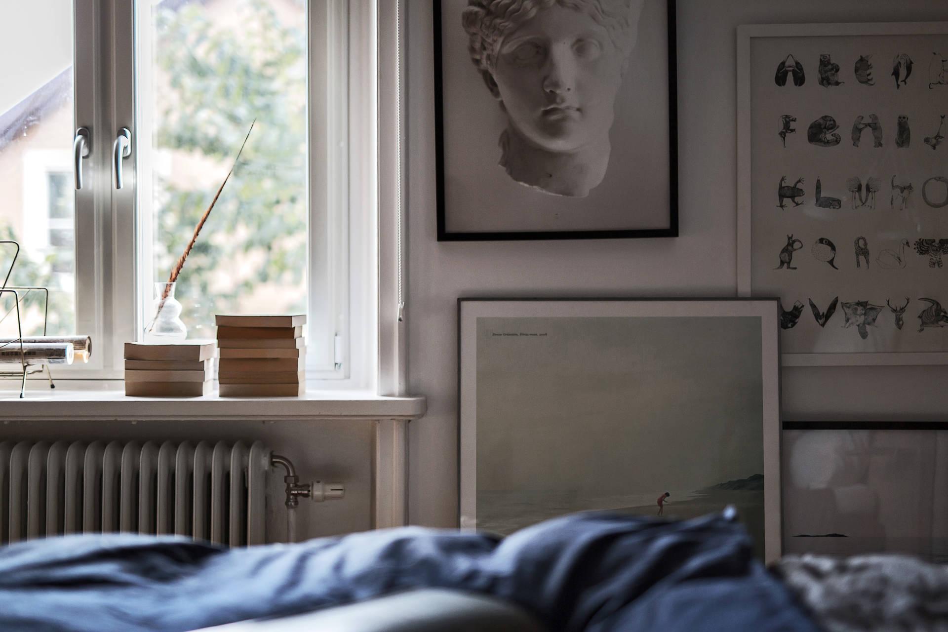 спальня картины окно подоконник