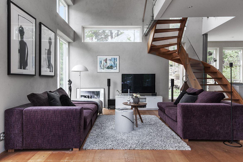гостиная диваны телевизор лестница