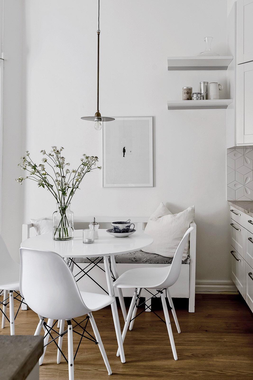 кухня столик стулья скамья