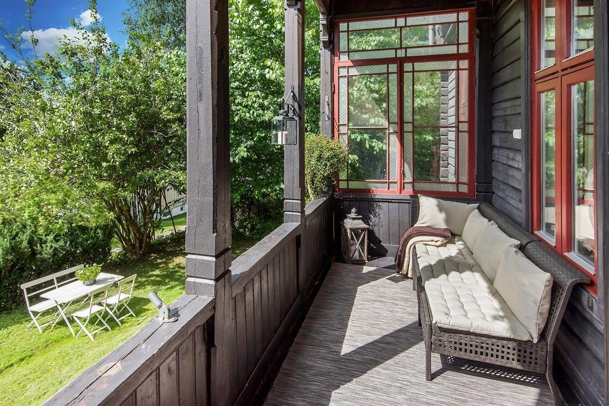 деревянный дом балкон скамья