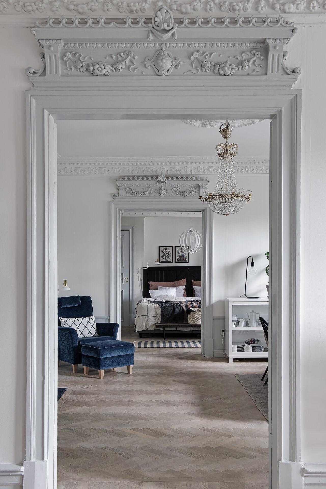 анфилада гостиная столовая спальня дверной проем наличники лепнина