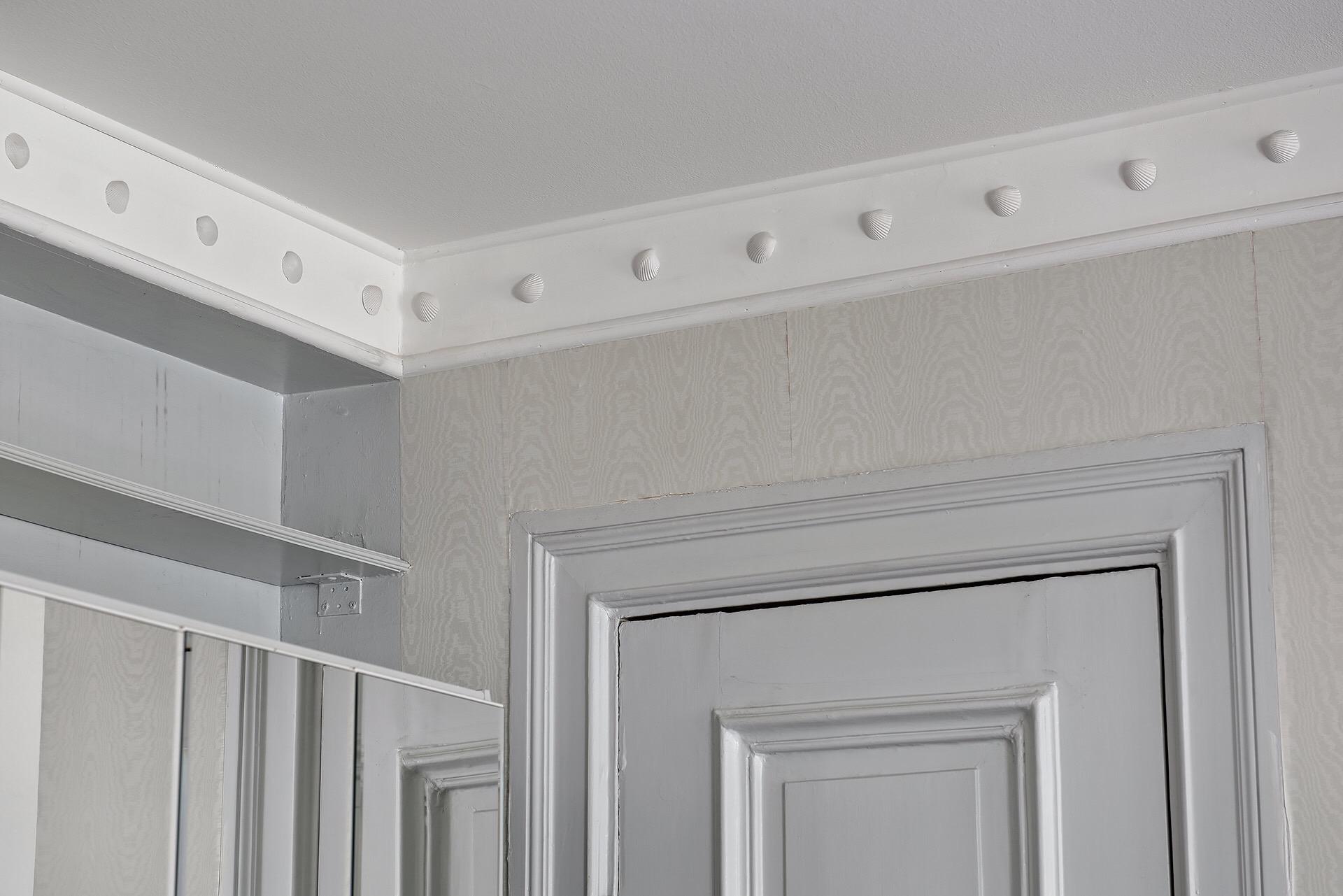 потолок карниз лепнина дверь наличники