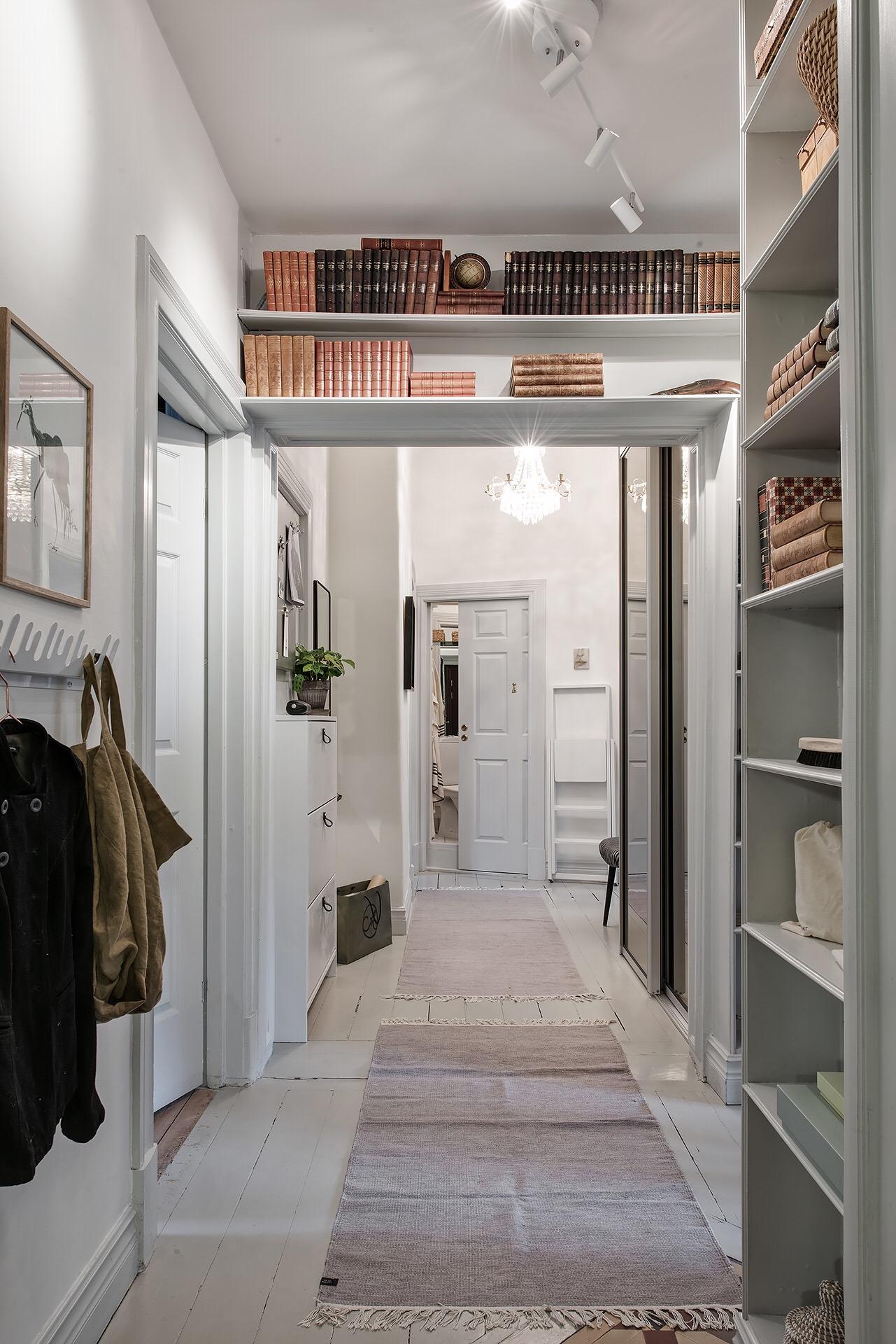 коридор полки одежда входная дверь