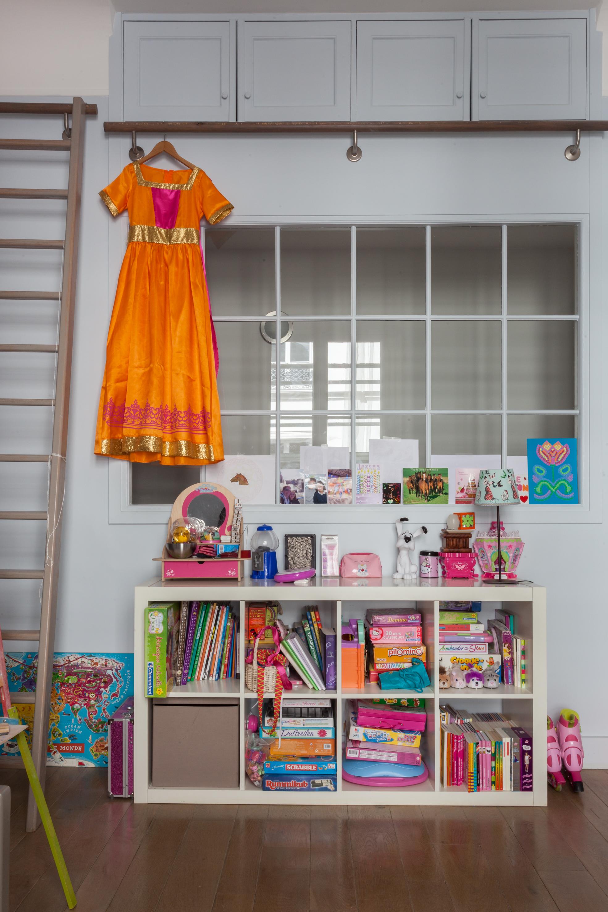 детская комната стеллаж игрушки