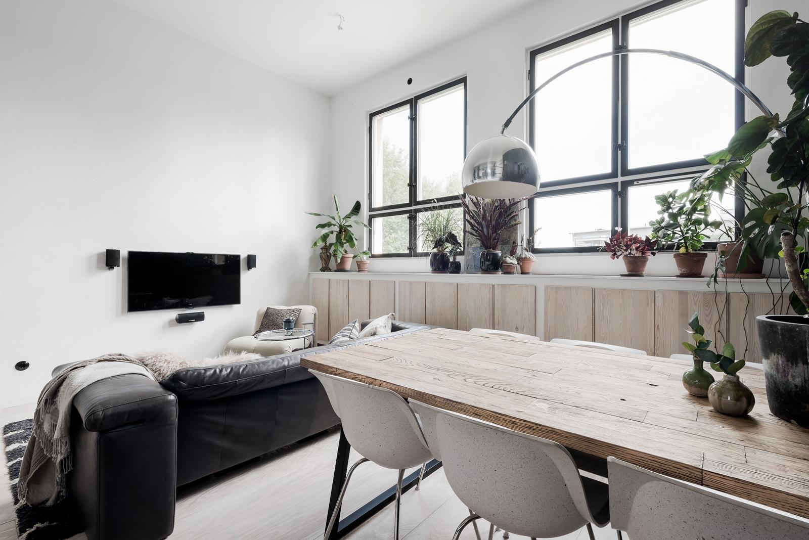 гостиная диван телевизор обеденный стол