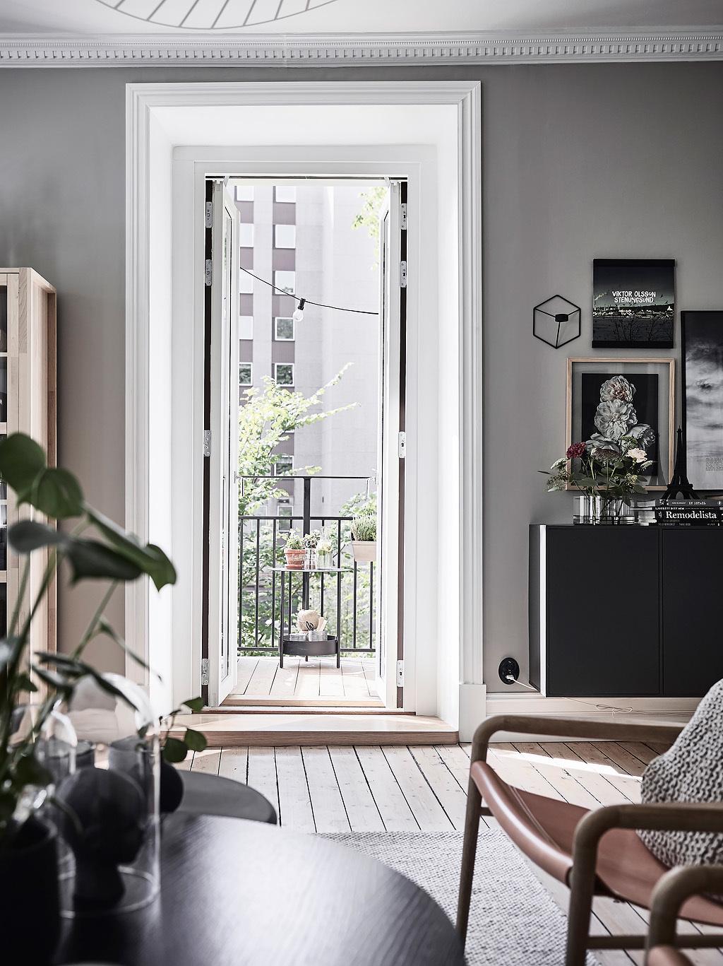 дверь выход на балкон