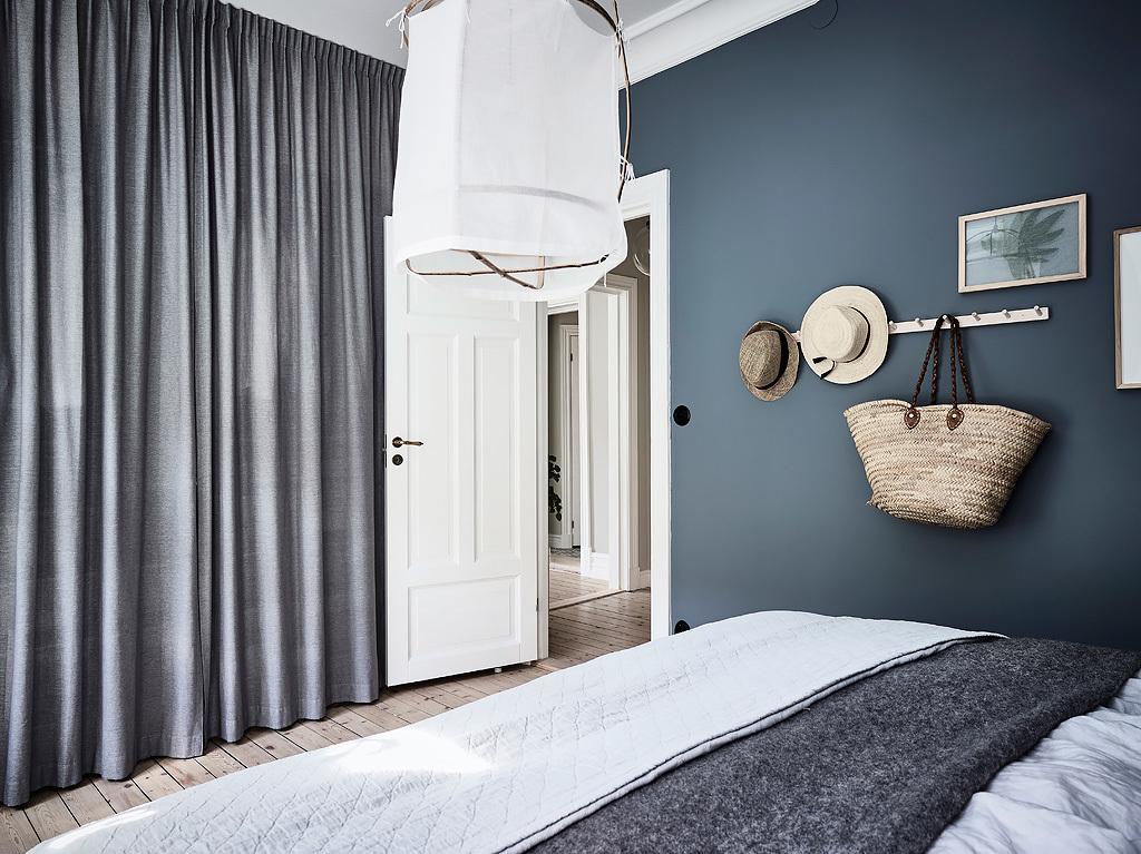 спальня встроенный шкаф занавес