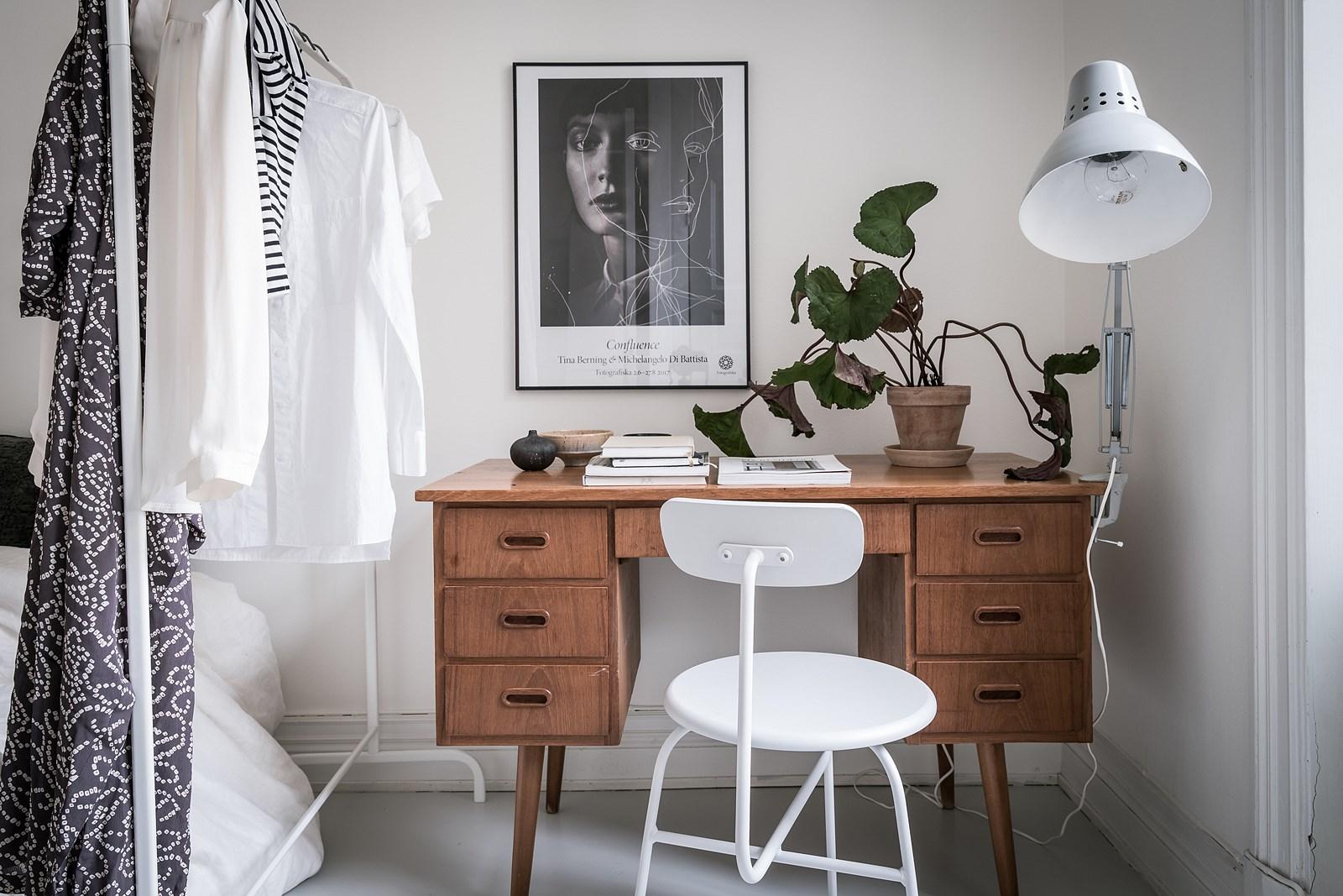рабочий стол спальня