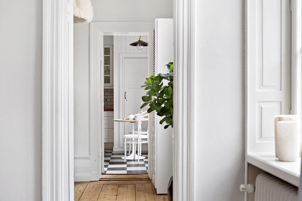 белые двери наличники