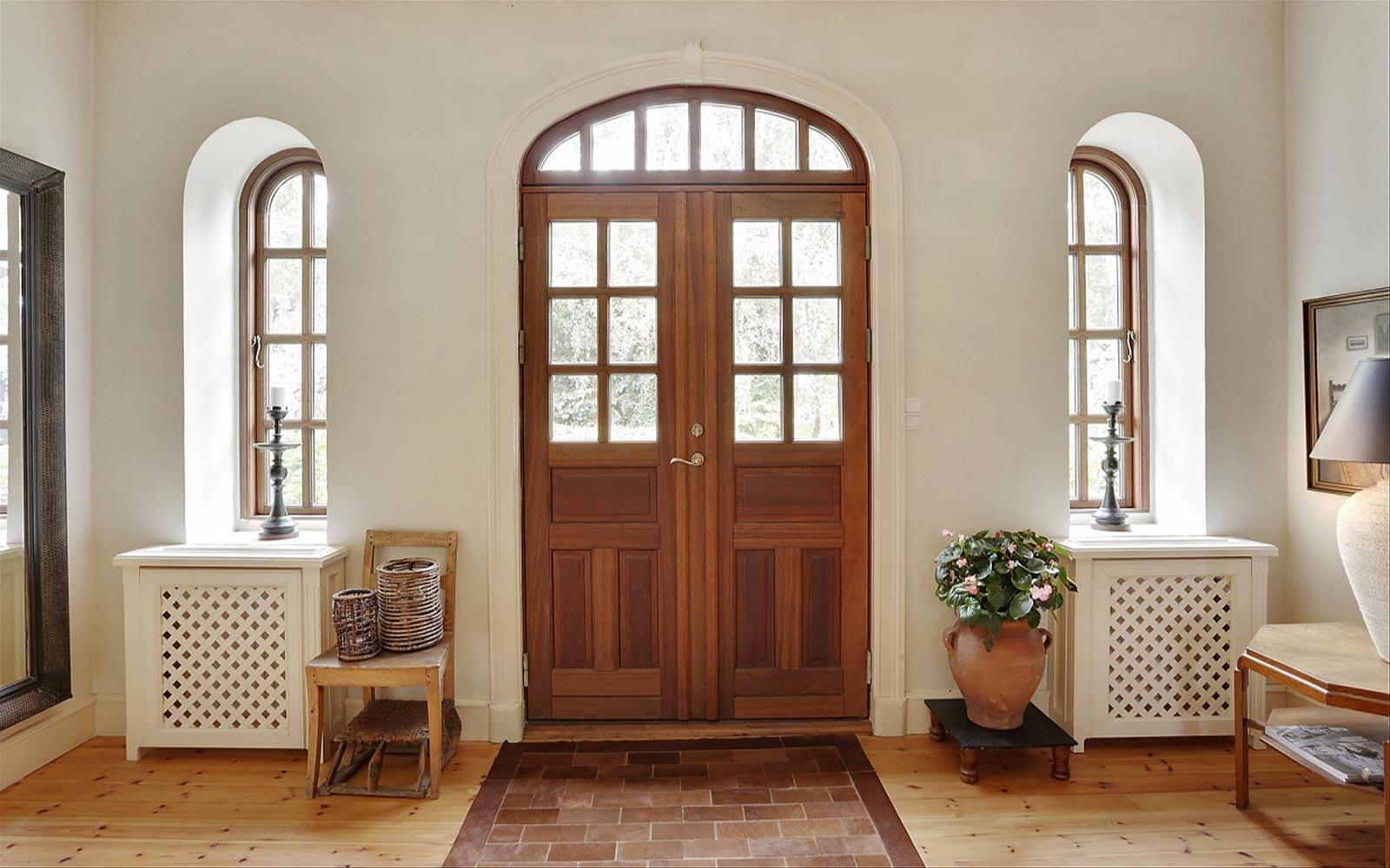 прихожая входная дверь