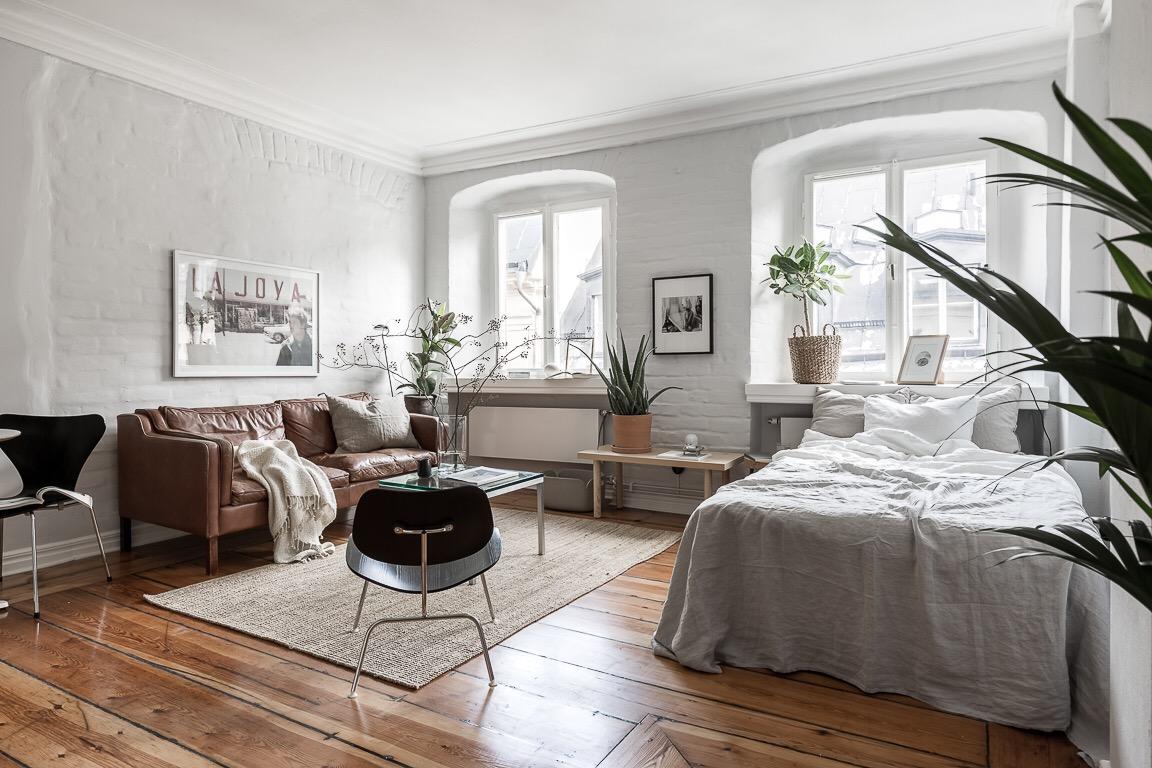 квартира студия кровать в гостиной