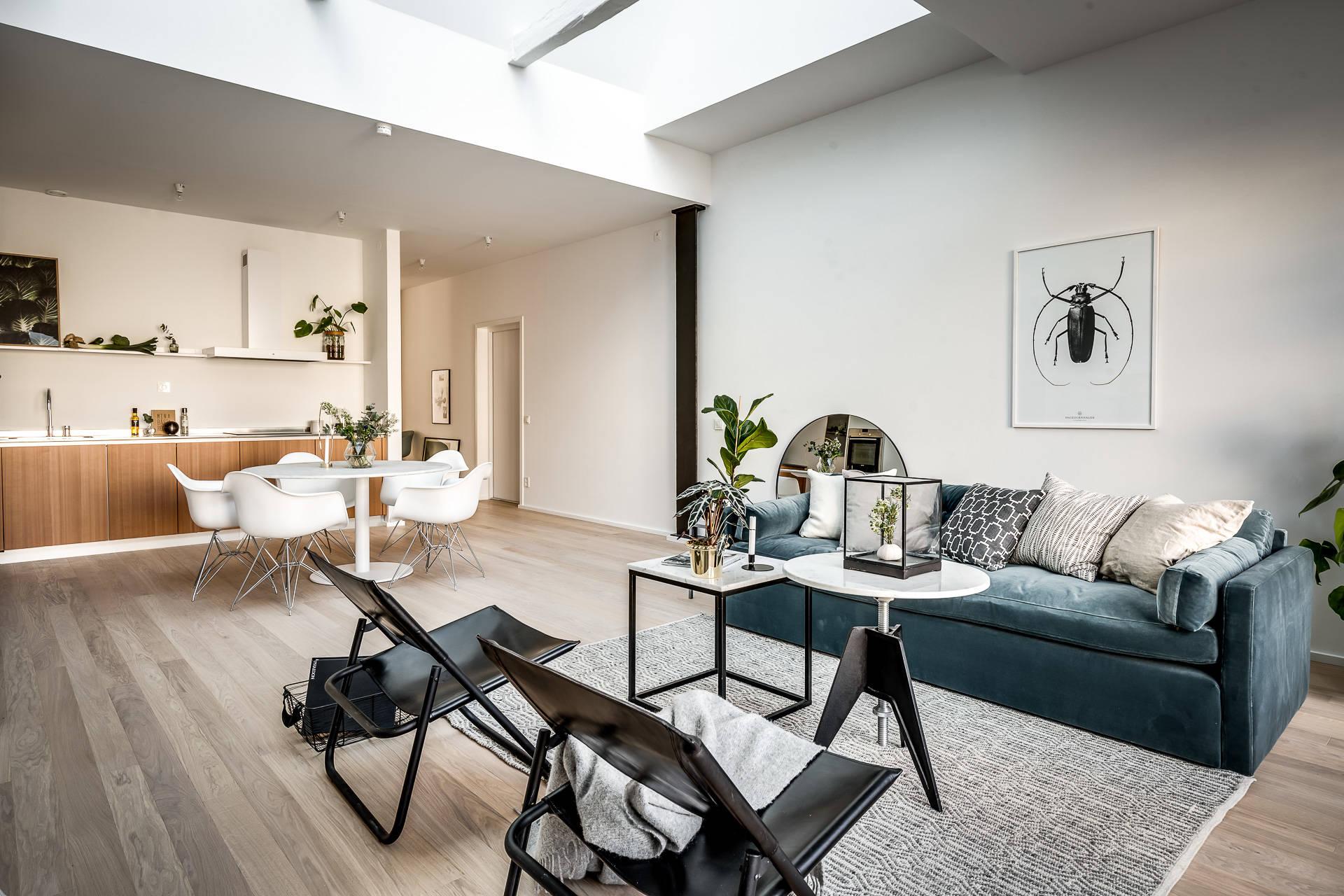 гостиная диван кресла половая доска стол стулья eames кухня