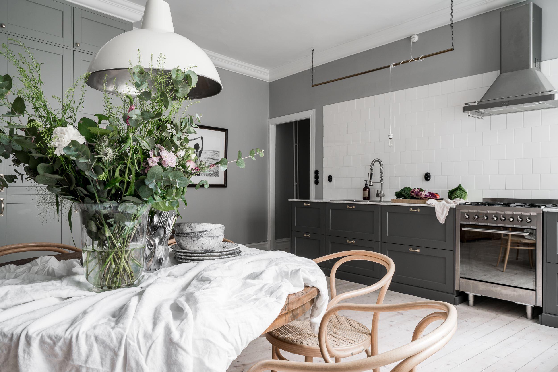кухня столовая кухонная мебель обеденный стол