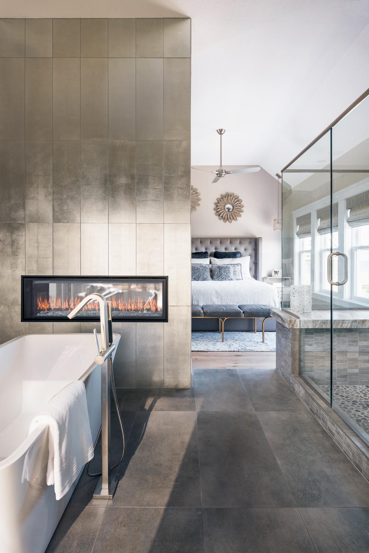 спальня камин ванная комната душевая ванна напольный смеситель