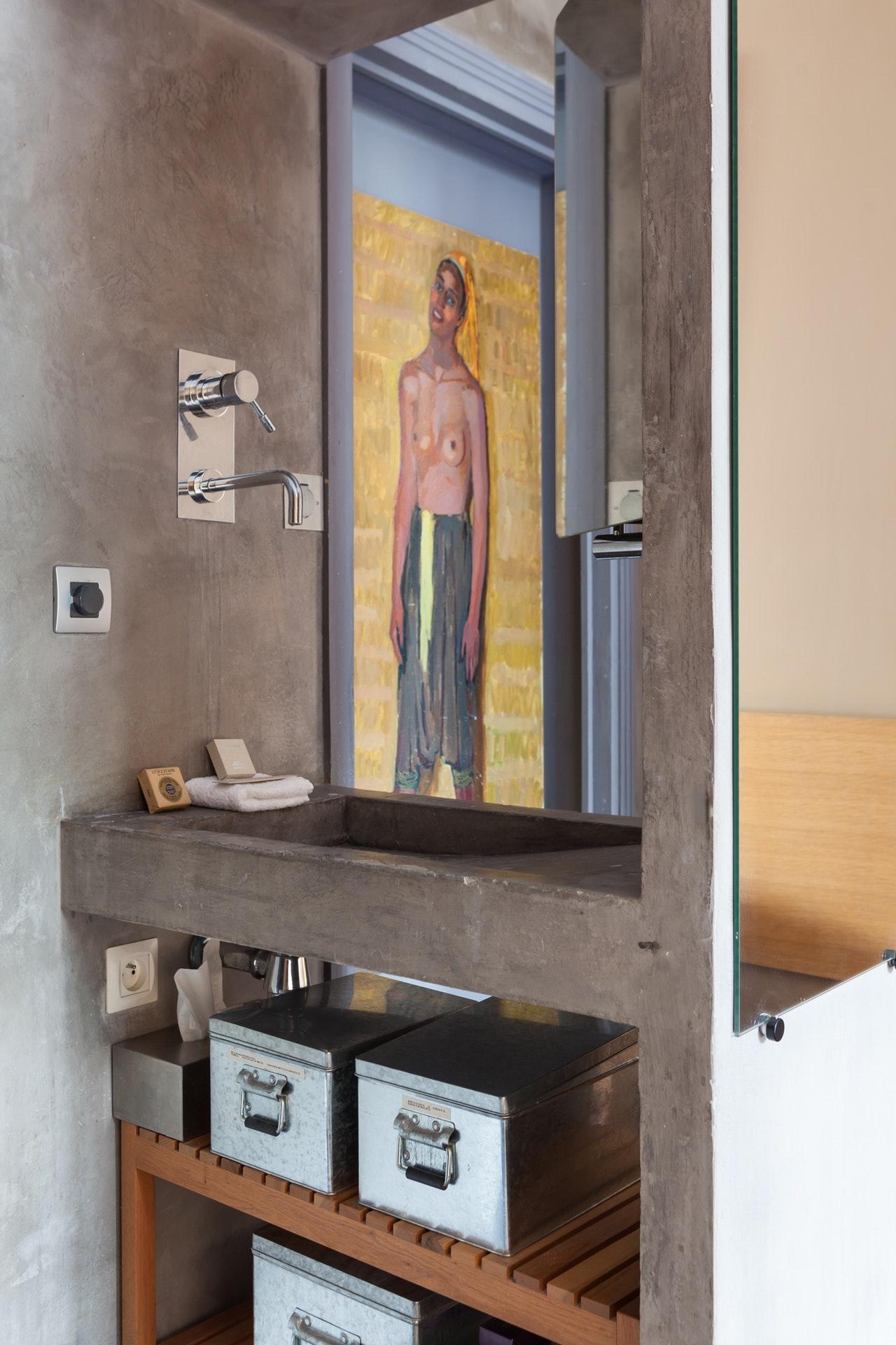 бетон раковина смеситель зеркало полки