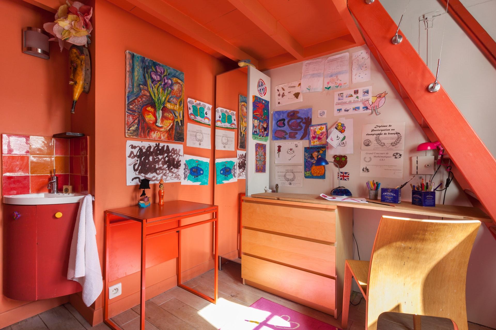 детская комната стол антресоли лестница