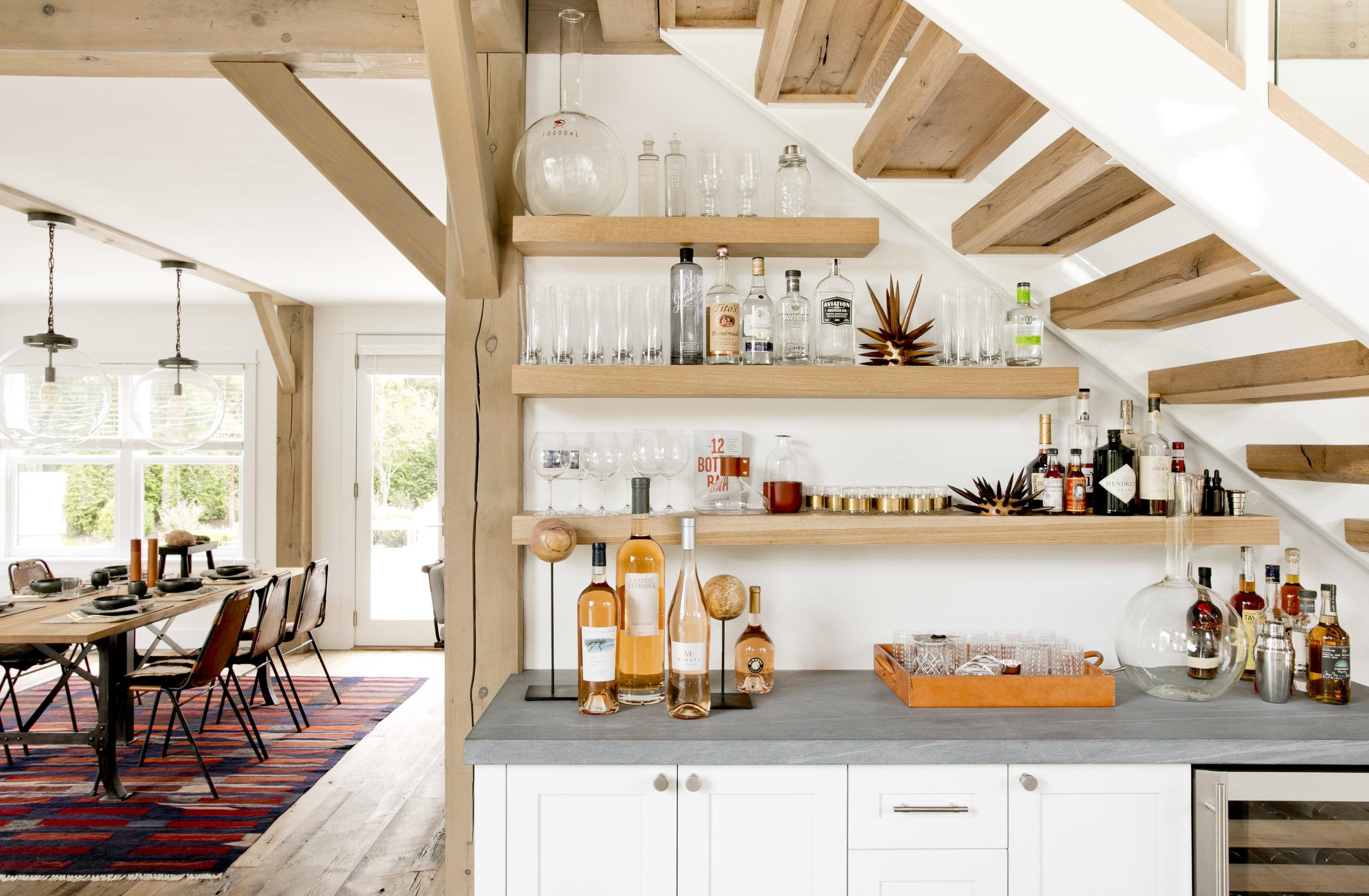 лестница ступени бар столешница винный шкаф полки посуда