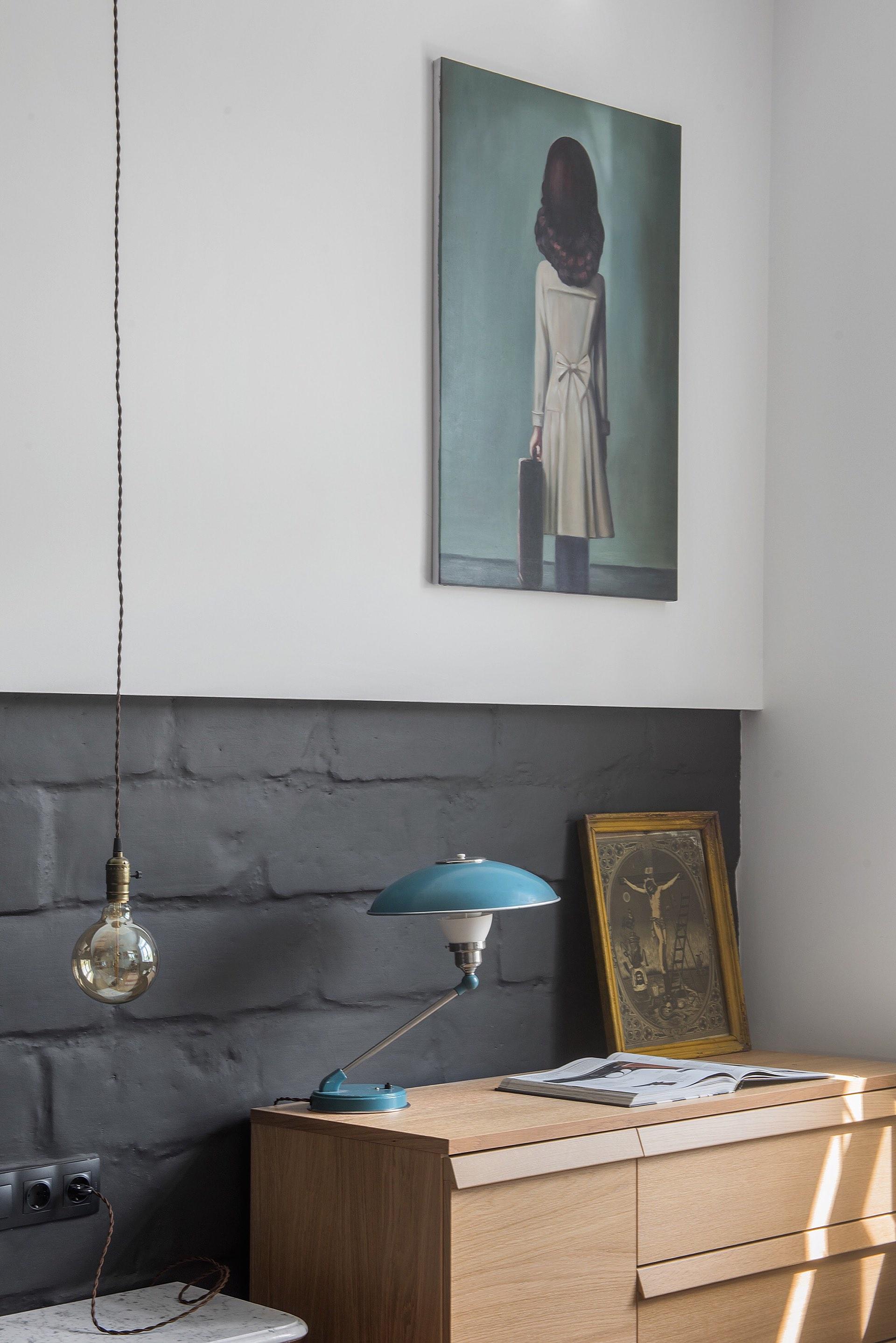 спальня аксессуары декор каменная кладка окраска