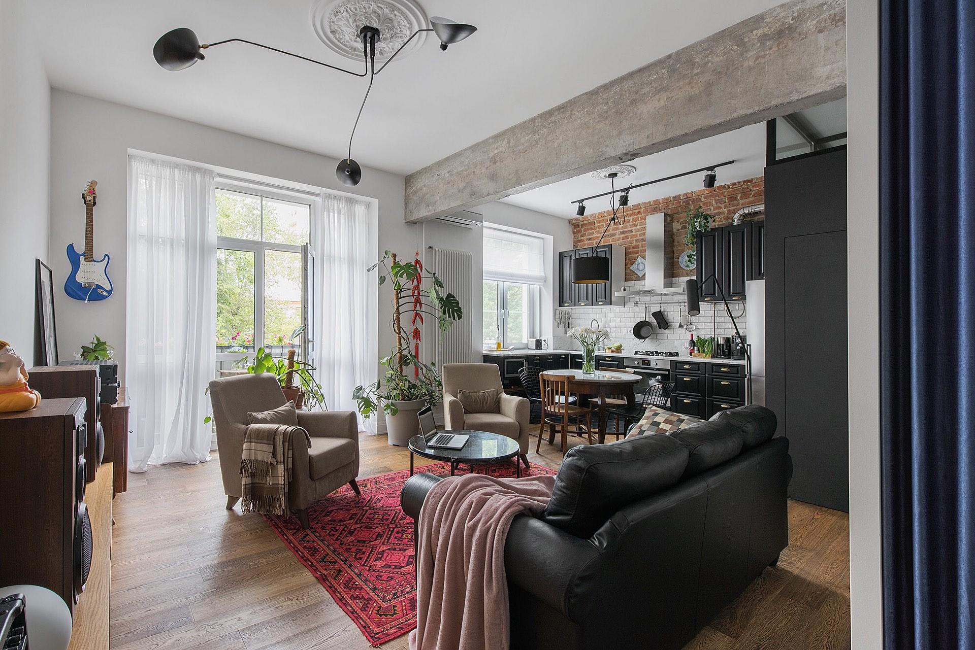 гостиная кухня мебель балкон высокий потолок бетон