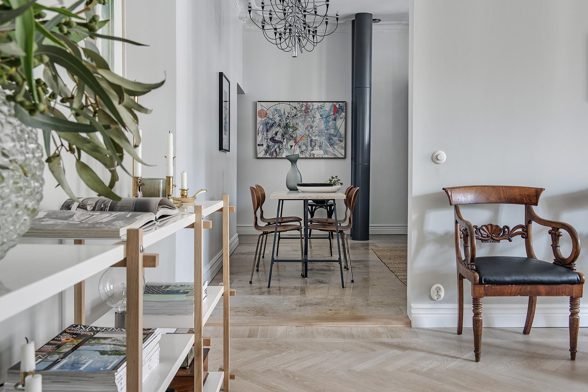 проем между гостиной и кухней
