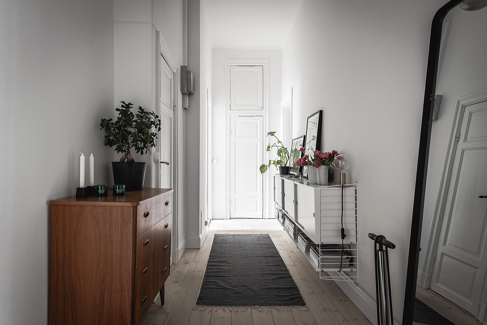 прихожая коридор комод напольное зеркало