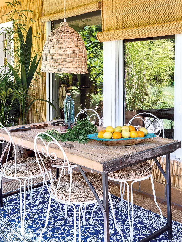 садовая мебель деревянный стол стулья