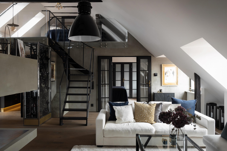 гостиная лестница мансарда