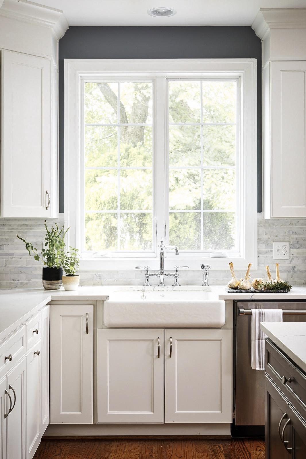 кухонная мебель окно