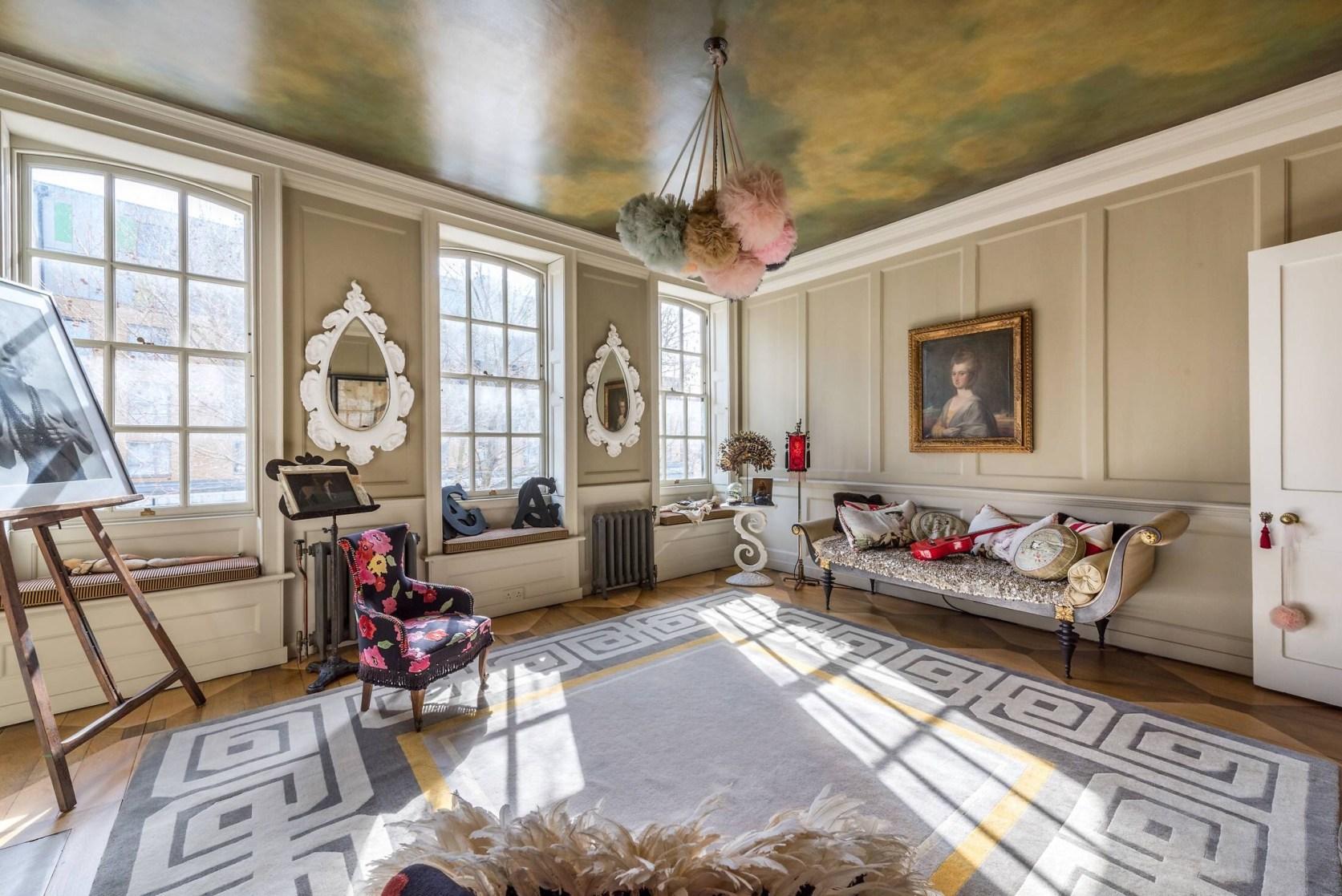 потолок роспись гостиная