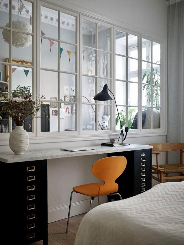 стол в спальне перегородка