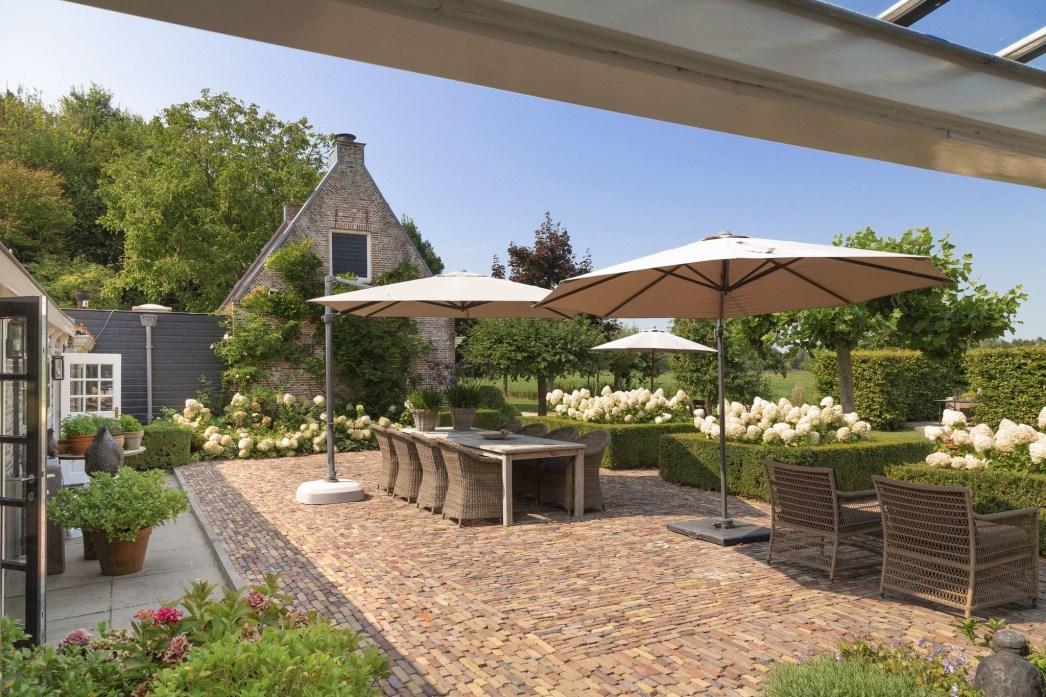 дом в нидерландах двор садовая мебель