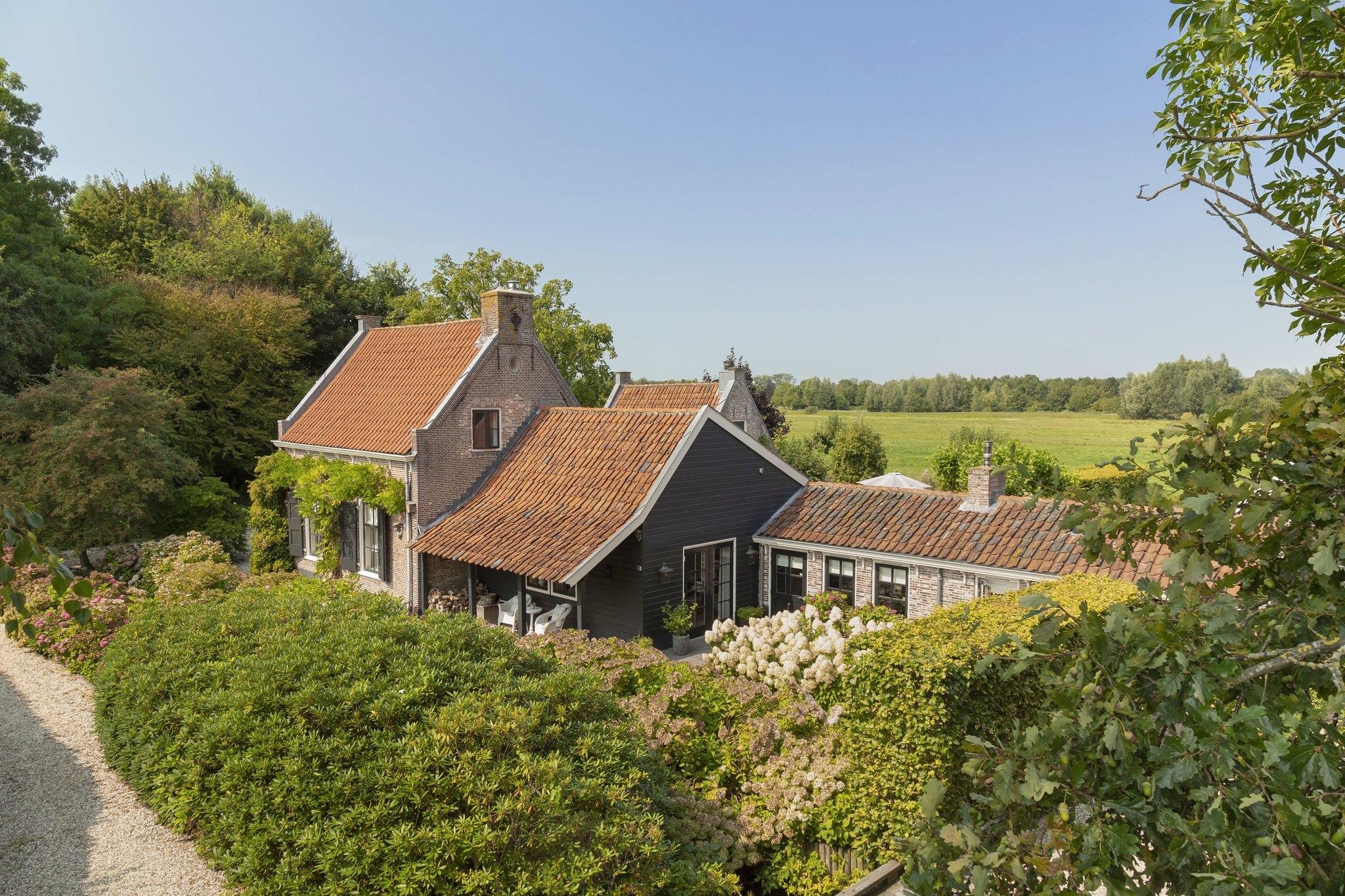 дом в нидерландах фасад крыша
