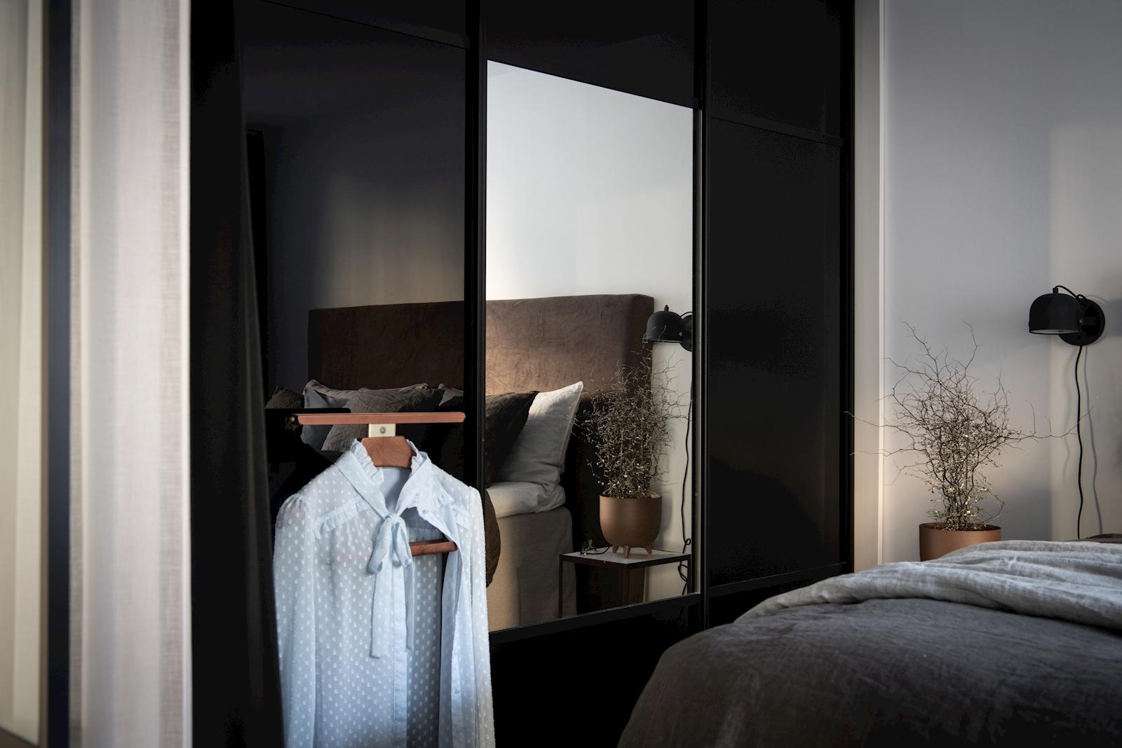 квартира 52 квм спальня С гардеробной шкаф