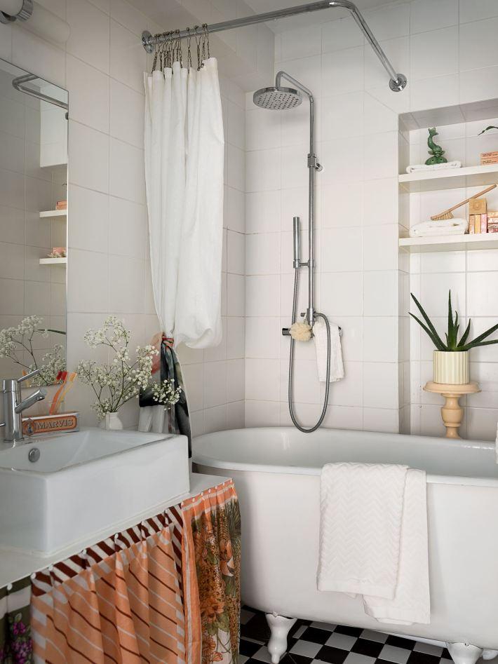 квартира 59 квм санузел раковина ванна