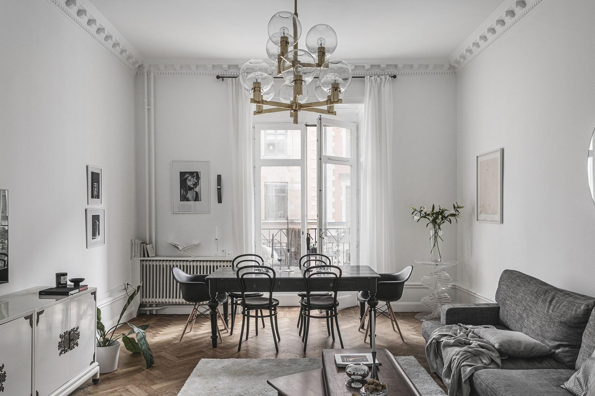 квартира 89 квм гостиная обеденный стол