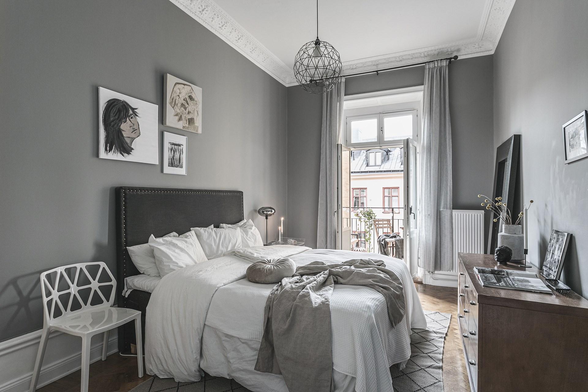 квартира 89 квм спальня с балконом